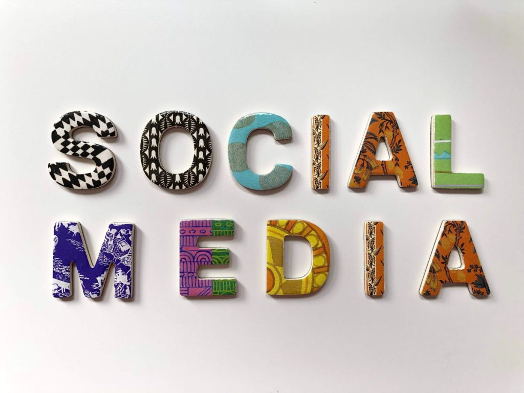 Increase brand exposure with Social media